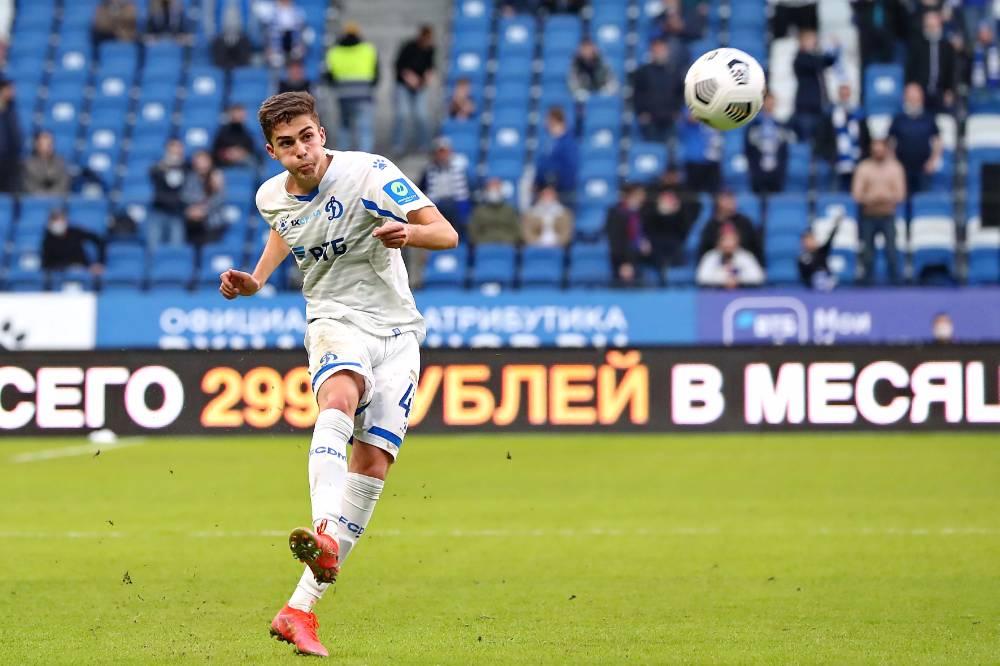 Отец молодой звезды сборной России по футболу Захаряна рассказал о состоянии здоровья сына