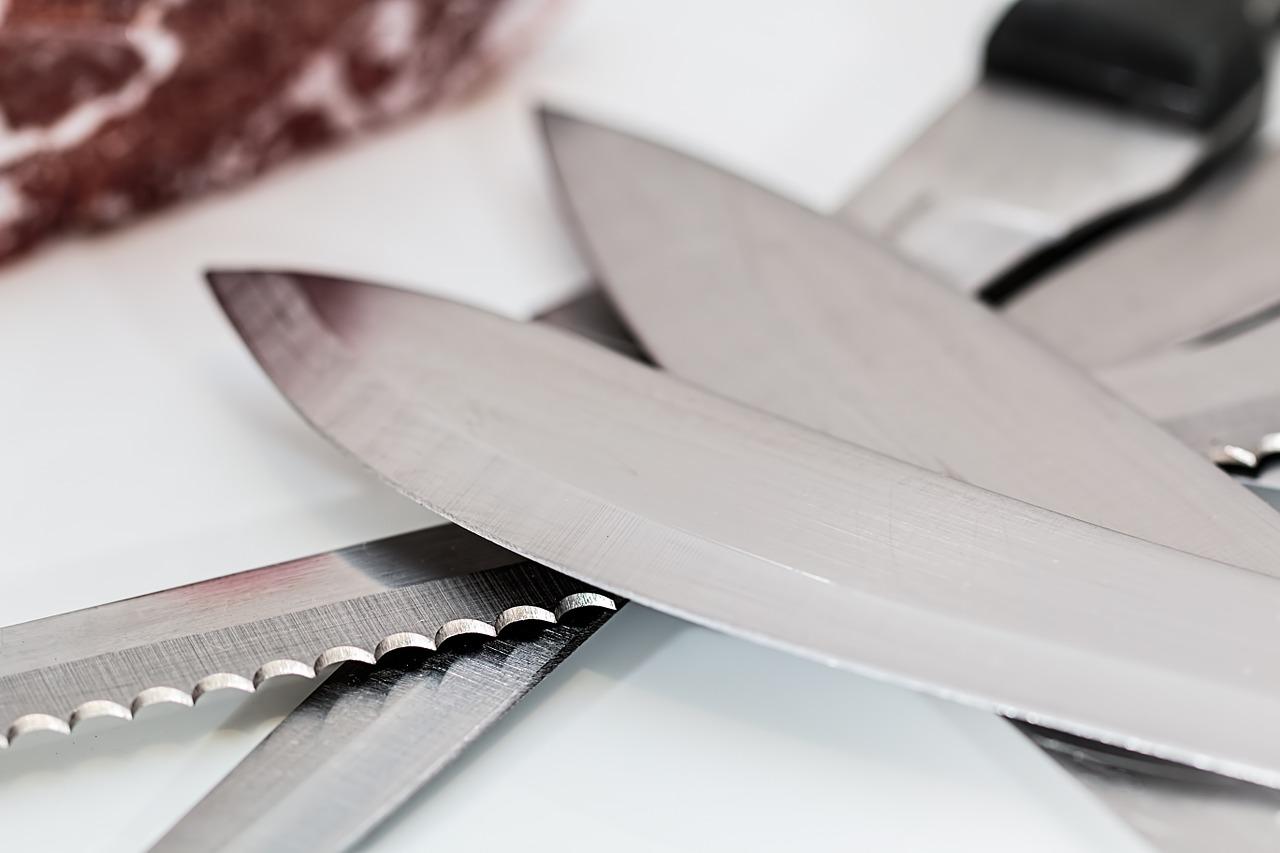 Мужчина изрезал ножом четырёх человек в центре Петербурга