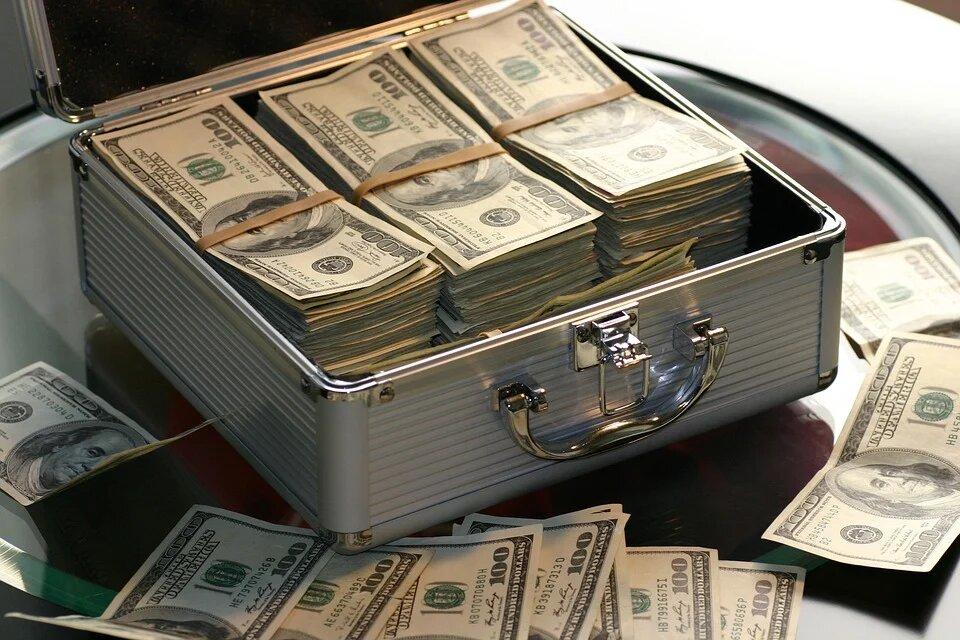 Усманов и Абрамович попали в десятку богатейших бизнесменов Великобритании