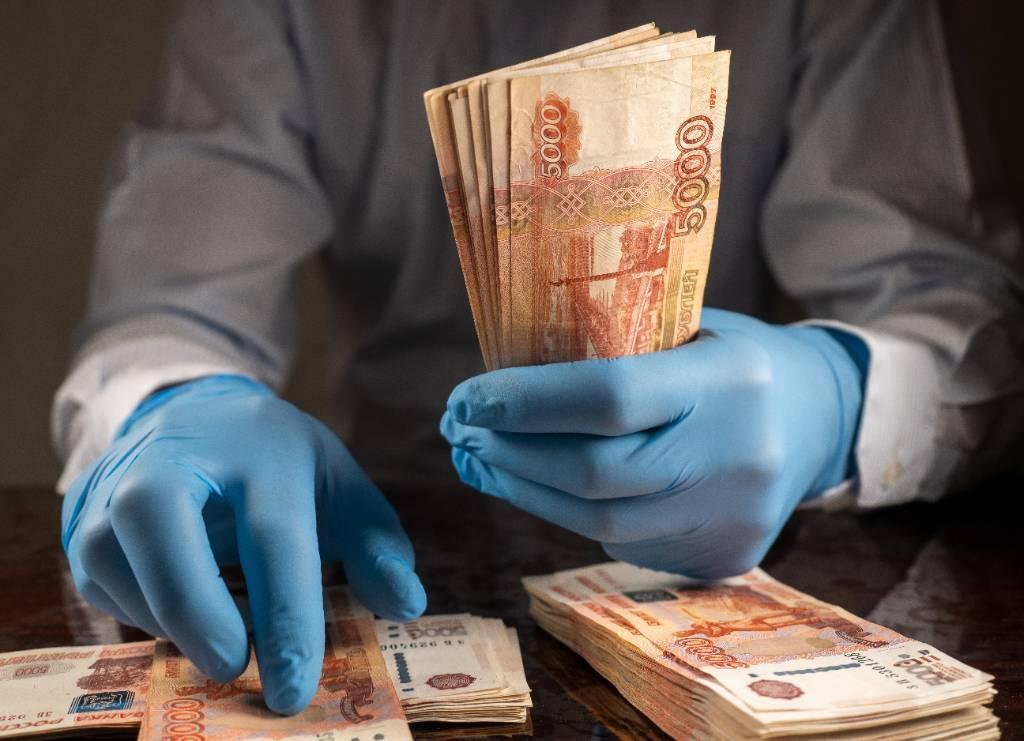 Москвич заплатил 6 миллионов рублей алиментов ради поездок за границу