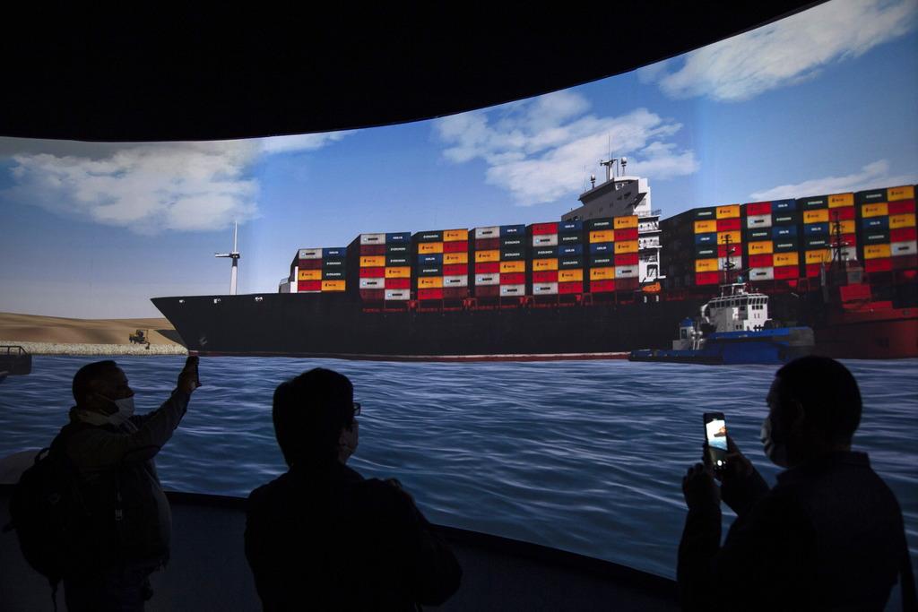 В Египте существенно улучшат инфраструктуру Суэцкого канала после истории с севшим на мель судном