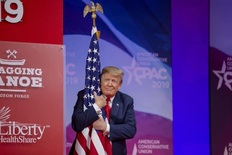 Трамп рассказал об 'абсолютном позоре' США