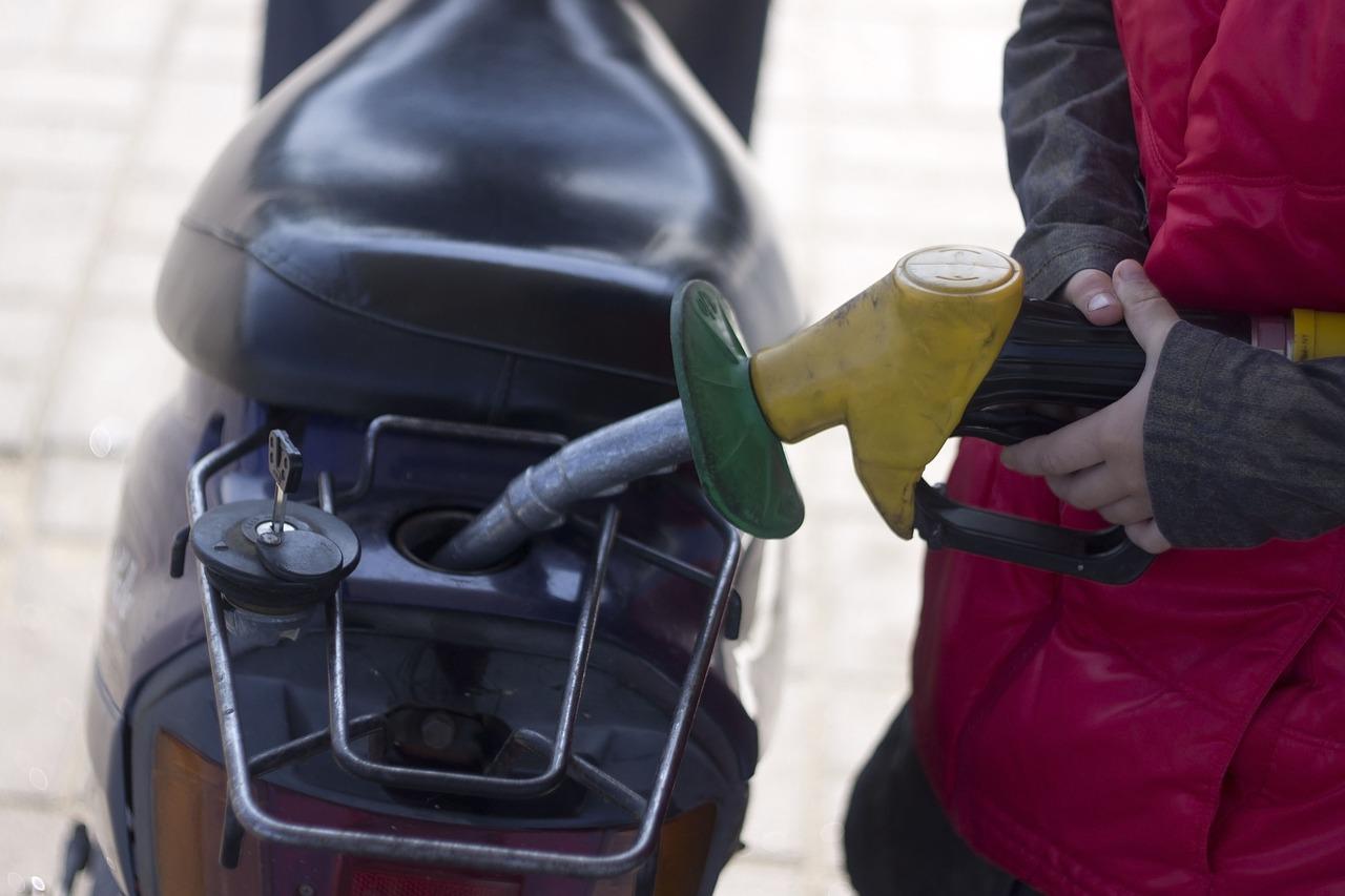 Правительство приняло дополнительные меры для стабилизации цен на бензин