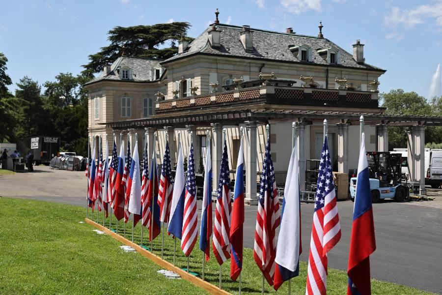 В Белом доме оценили возможность возвращения послов РФ и США в Вашингтон и Москву