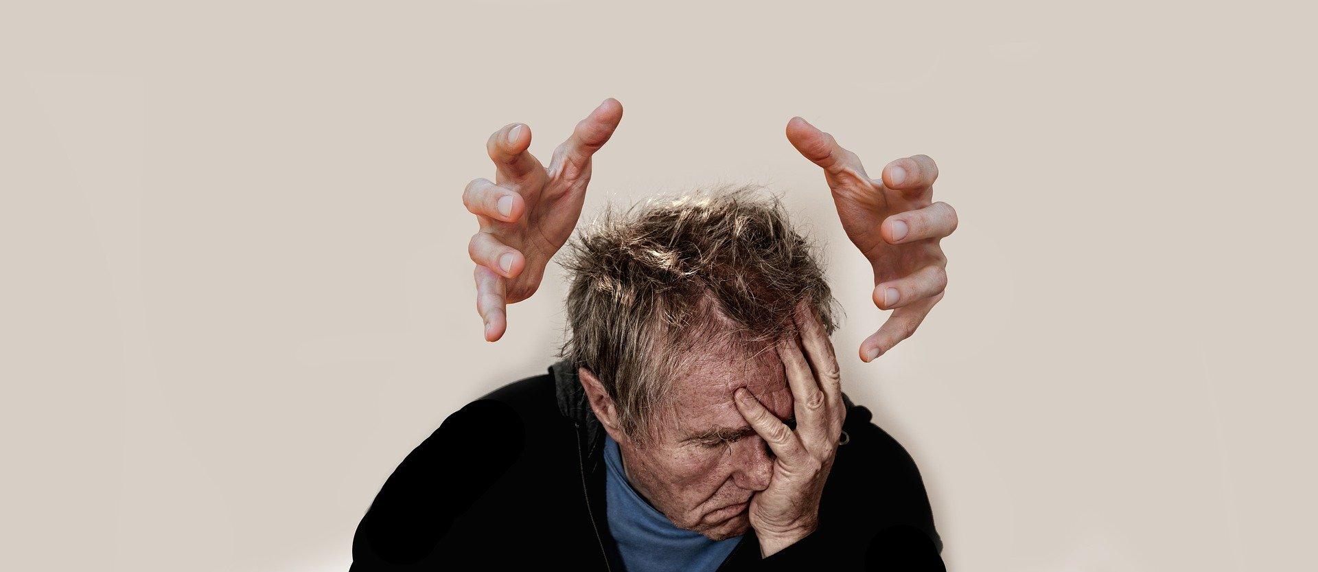 Россиян предупредили о смертельно опасной ошибке при головной боли