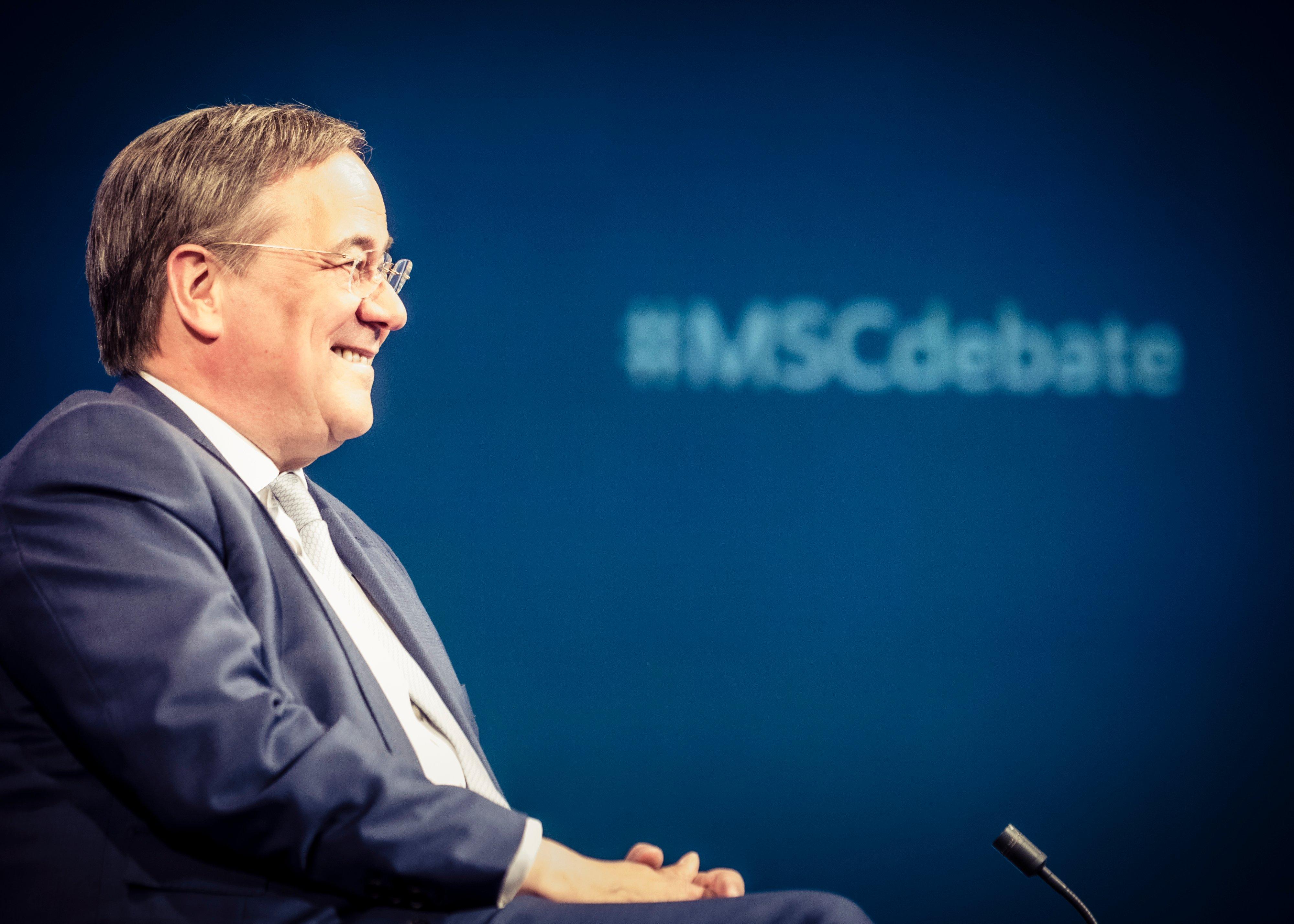 Возможный преемник Меркель назвал условие для остановки 'Северного потока – 2'