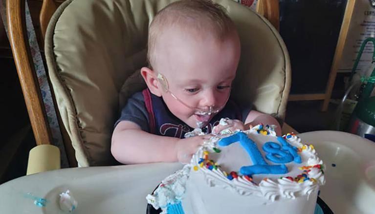 Самый недоношенный в мире ребёнок отпраздновал свой первый день рождения