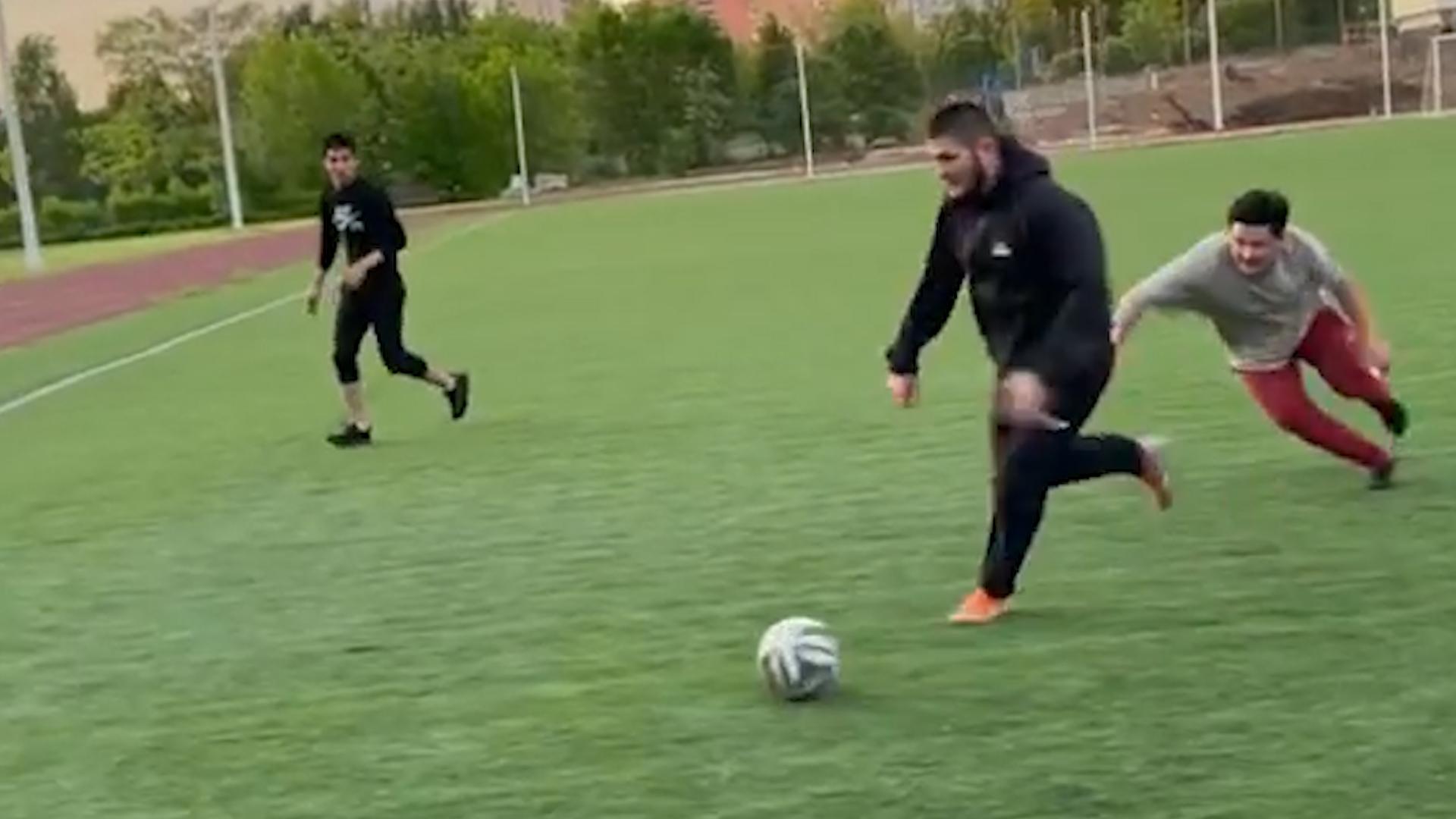 'Борцы всегда неплохо играли': Тренеры высказались о перспективах футбольной карьеры Хабиба