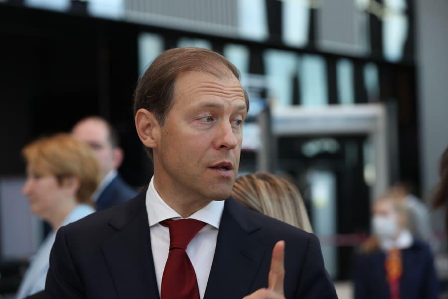 Глава Минпромторга раскрыл подробности презентации первого российского электросамолёта