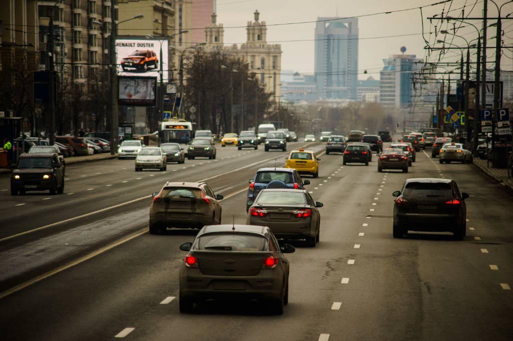 'В минусе вся страна': Автоэксперт не увидел здравого смысла в идее снизить скорость в городах до 30 км/ч