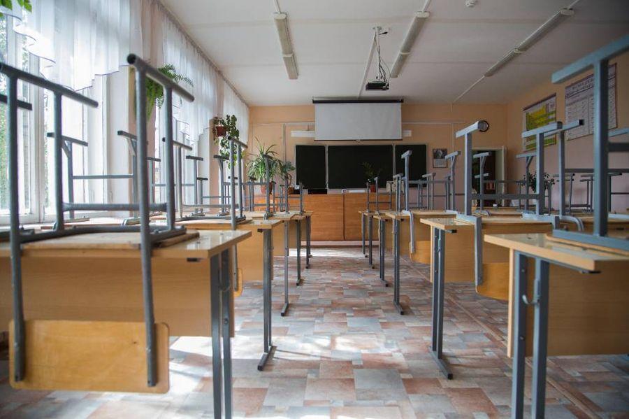 Под Краснодаром восемь учеников получили ожоги глаз из-за бактерицидной лампы