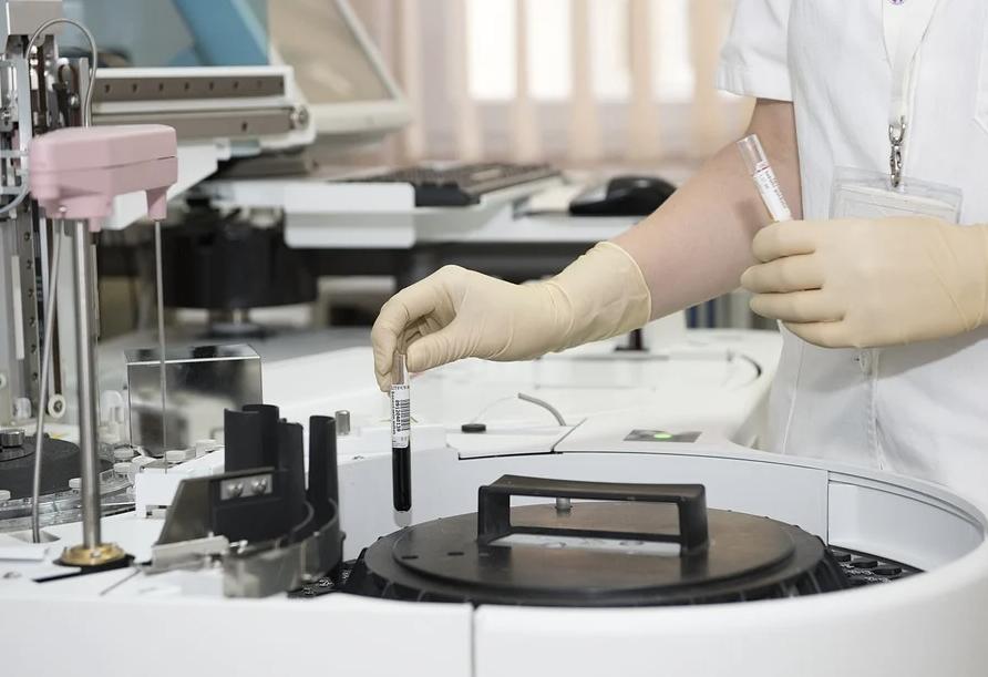 Дважды мутировавший индийский коронавирус в России не найден, но есть другие варианты