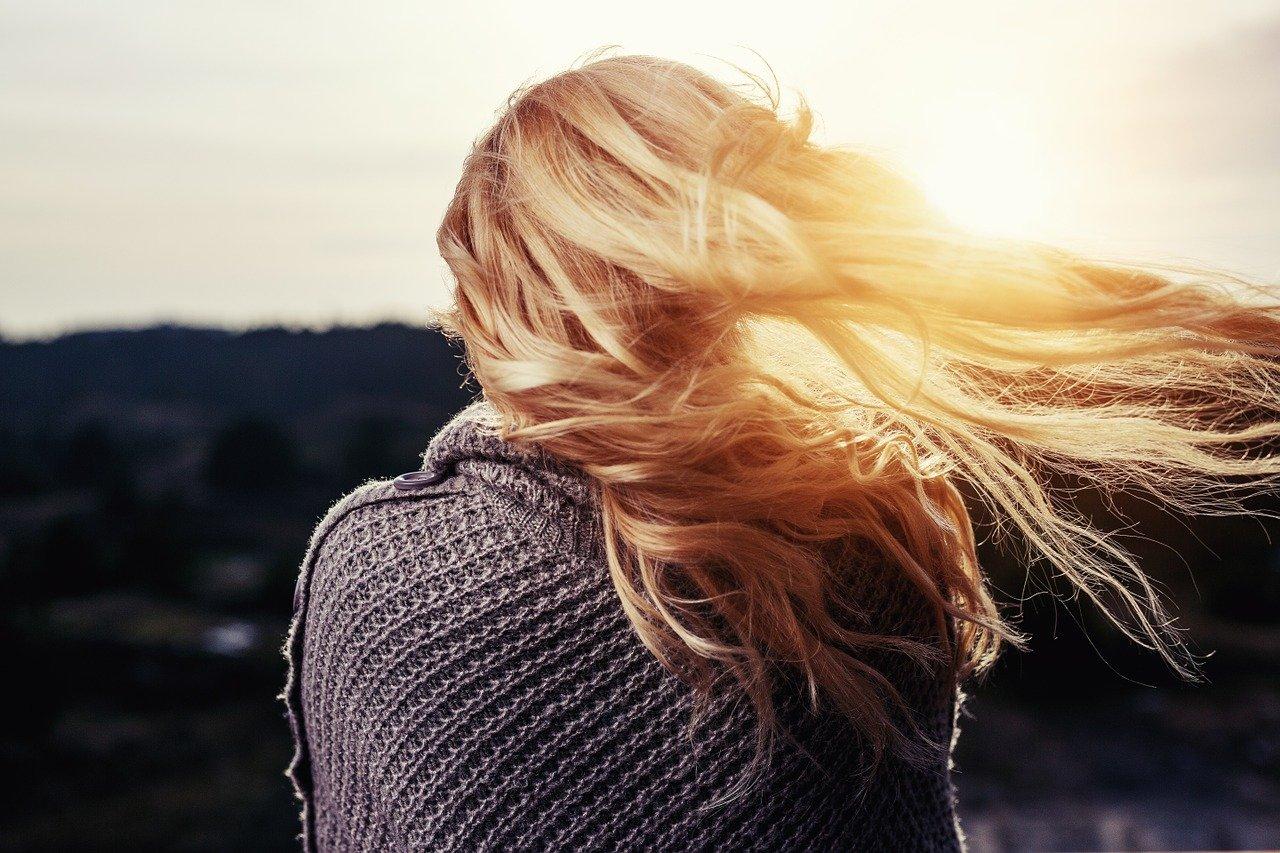 Трихолог назвал самую опасную для здоровья волос причёску