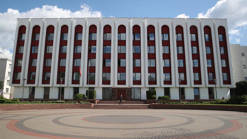 Вакханалией назвал глава МИД Белоруссии идею Киева о переносе переговоров по Донбассу