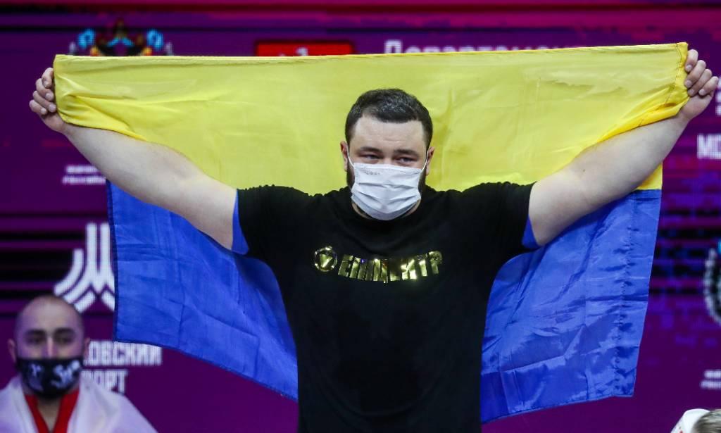 'Москва сгорела целиком': Украинский тяжелоатлет выложил картинку Красной площади в огне после победы на чемпионате