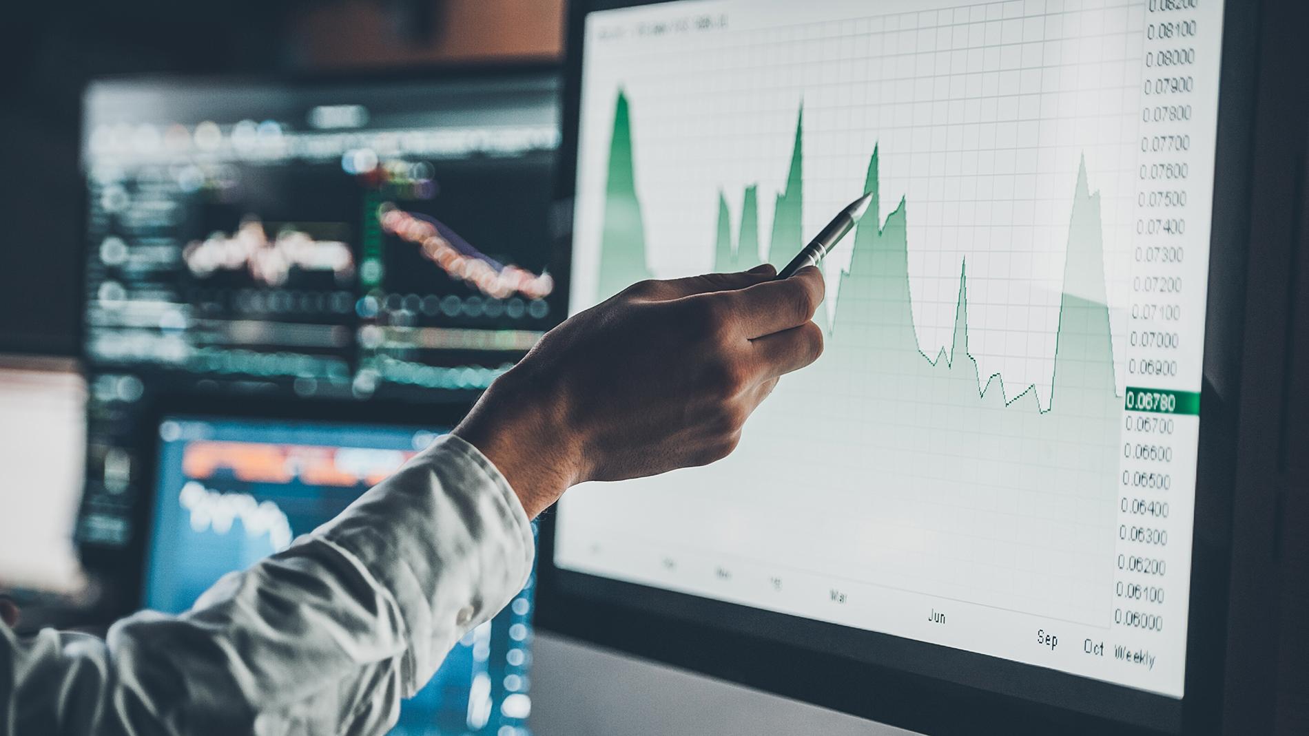Топ-10 самых доходных и рискованных инвестиций апреля: чем запомнится этот месяц