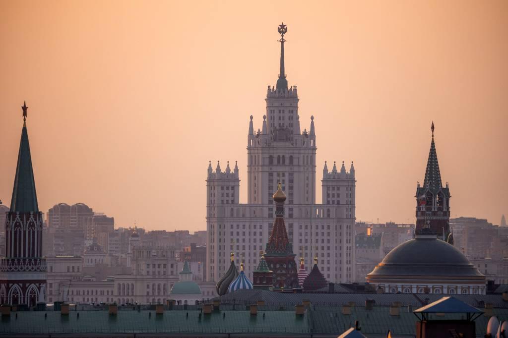 Песков заявил, что военные учения в России не являются вопросом двусторонних отношений РФ и США