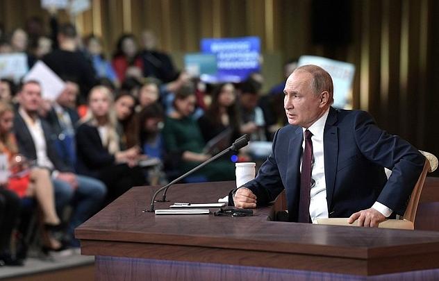 Путин подписал закон, позволяющий ему вновь баллотироваться на пост президента