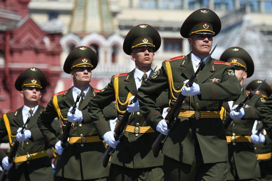 В Кремле рассказали, будут ли приглашать иностранных лидеров на Парад Победы в Москве