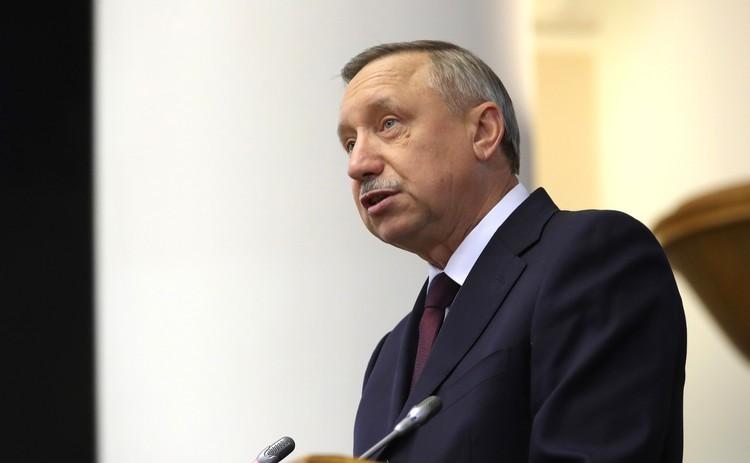 Петербург вслед за Москвой вводит новые ограничения из-за COVID